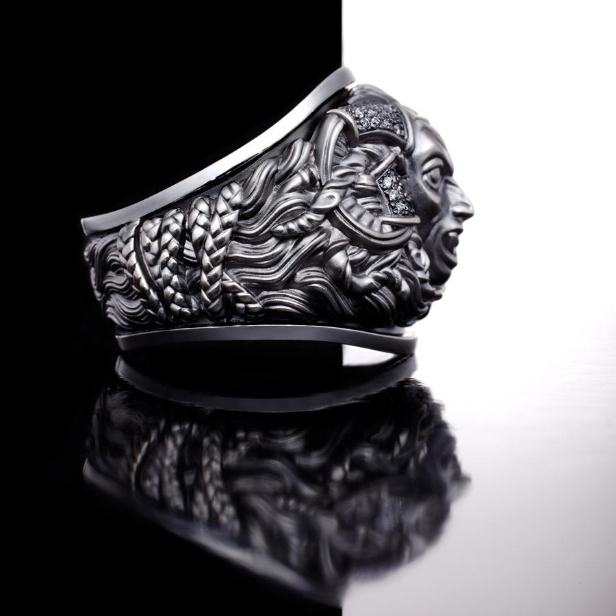 Кольцо с бриллиантами Демон