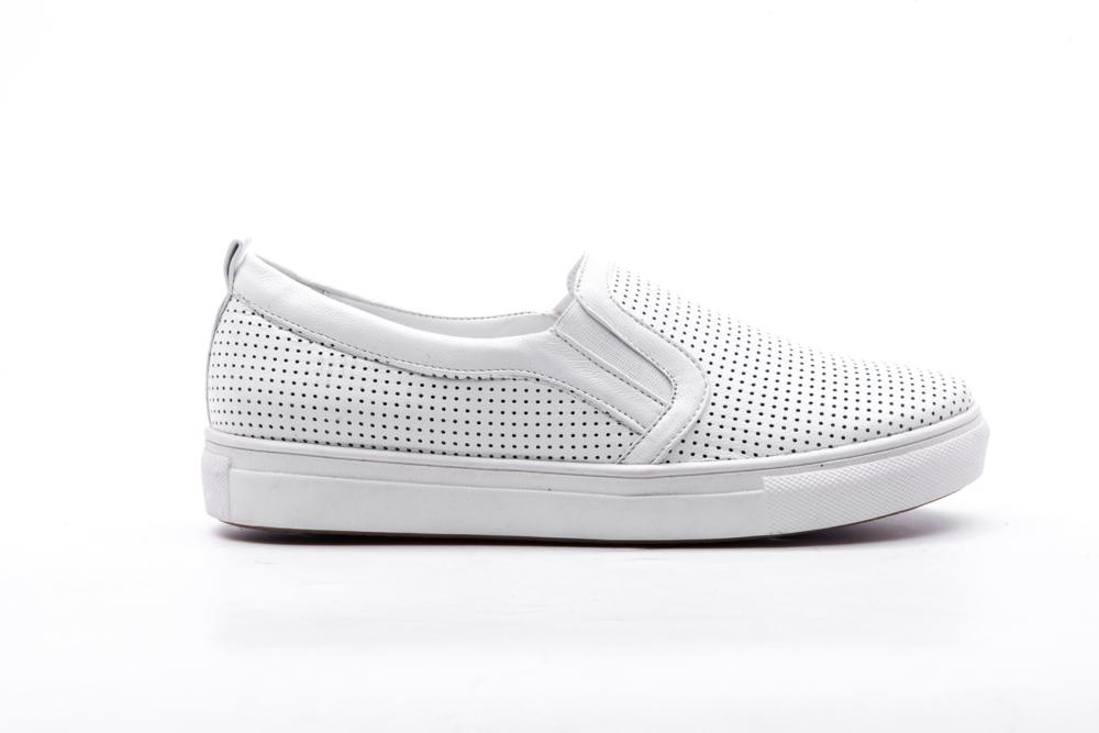 кожаная обувь, белое на белом
